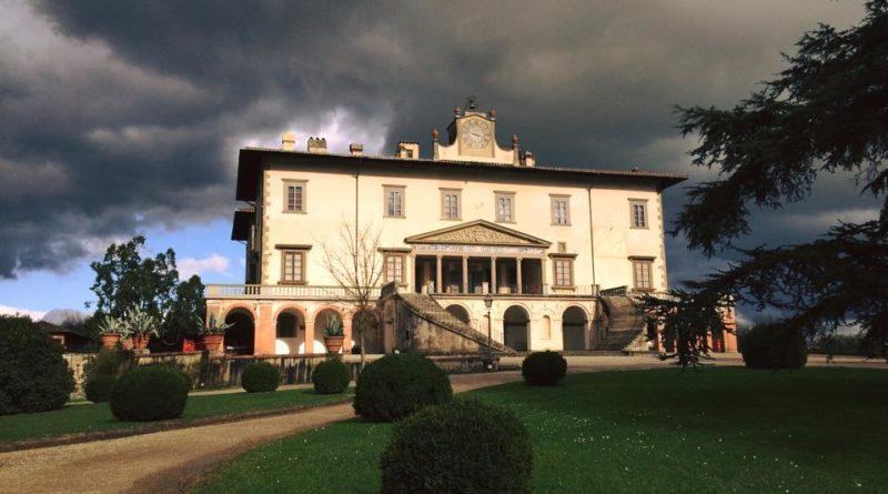 A casa dei medici visita guidata alla villa di poggio a for Casa classica villa medici